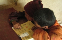 2-tibetan-youngsters-reading-together-adorable
